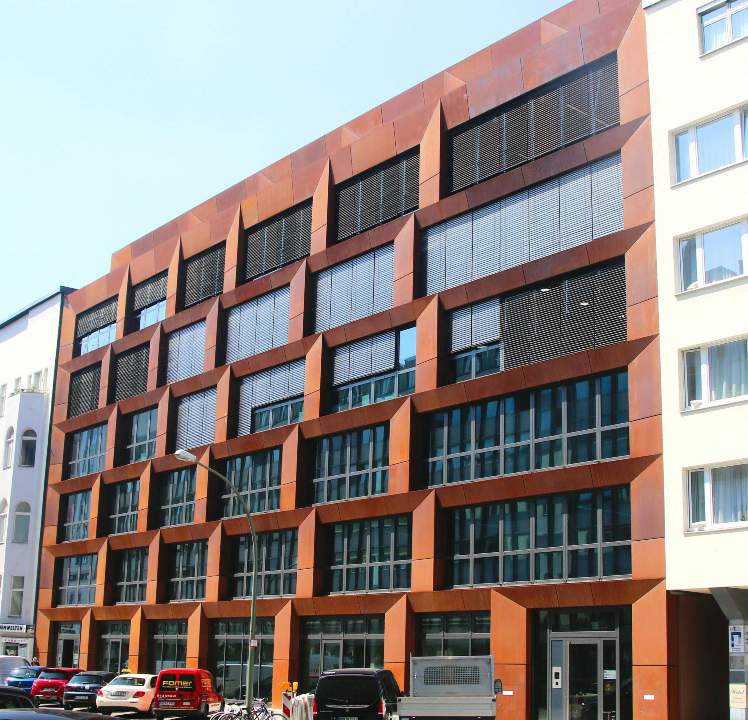 Wohn- un Geschäftshaus Derfflingerstraße in Berlin 01